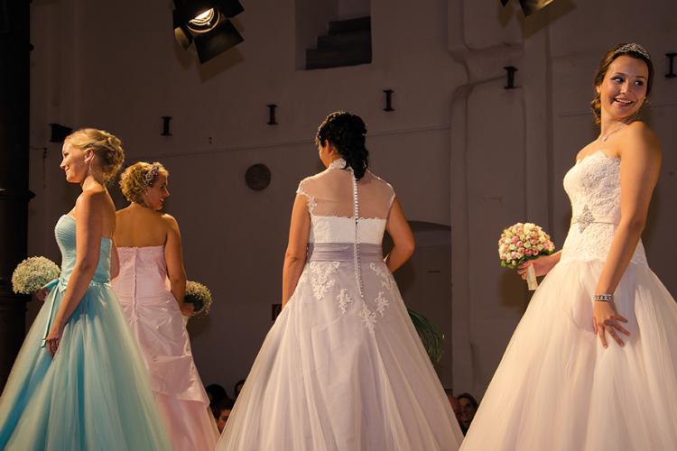 Messe Kloster Bredelar 15.11.2015 - Laufsteg vier Mädchen